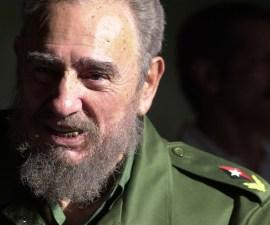Cuba prohibe estatuas de Castro