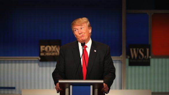 Donald Trump haciendo muecas