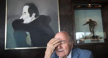 Pobrecito: Joseph Blatter seis años fuera del fútbol