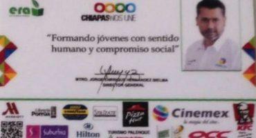 WTF?! Director de Cobach, Chiapas, pone su foto en todas las credenciales de alumnos