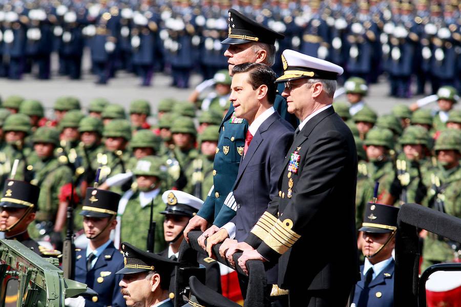 El general Salvador Cienfuegos y el presidente Enrique Peña Nieto