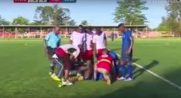 ¡Terrible! Futbolista de 19 años muere en el campo por un infarto