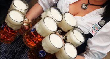 ¿A qué edad empiezan a tomar alcohol los mexicanos?