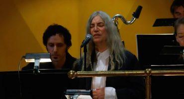 Revive la presentación de Patti Smith en la ceremonia del Nobel 2016