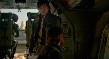 Diego Luna debe de aprender a confiar en este clip de Rogue One