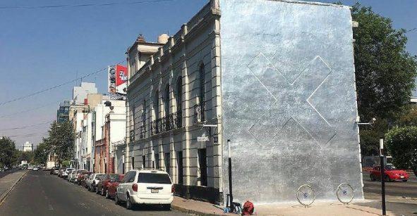 ¡¿Y este mural con la portada del nuevo disco de The xx de dónde salió!?