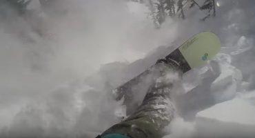 Este sujeto se salvó de una avalancha... ¡gracias a su mochila!
