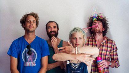 """Pond anuncia nuevo disco y comparten video de """"Sweep Me Off My Feet"""""""