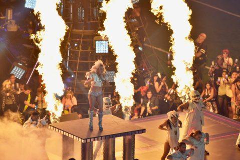 Lady Gaga espectacular en el show de medio tiempo