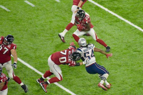 Este castigo de Jake Matthews hizo que la serie de los Falcons acabara sin puntos