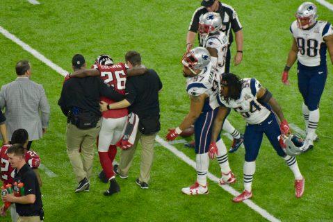 Las lesiones le cambiaron la cara a la ofensiva de los Falcons quienes no supieron mantener la ventaja