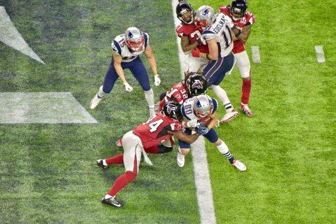 Danny Amendola cruza el plano. ¡Empatan los Patriots!