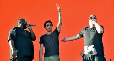 Miren a Run The Jewels tocar con Zack de la Rocha y Travis Barker