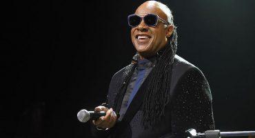 Échenle un ojo a lo que Stevie Wonder tiene que decir sobre su vista