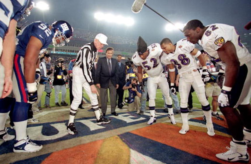 Volado durante el Super Bowl entre Giants y Ravens
