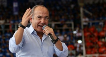 Delfina contesta a burla de Calderón; un perredista apoya dichos del expresidente
