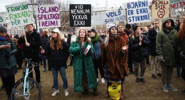 Marcha en Islandia por la equidad de genero
