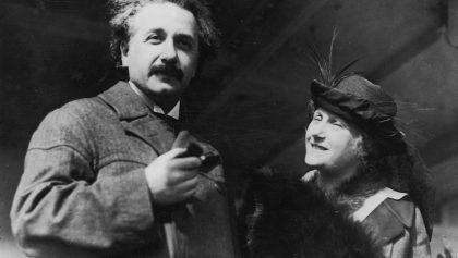 Albert Einstein y su esposa Elsa