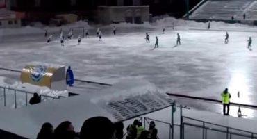 ¿¡¿WTF?!? En partido de hockey ruso hubo ¡20 autogoles!