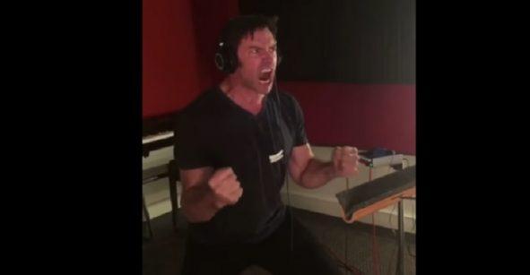 Emociónense viendo cómo Hugh Jackman grabó los audios para