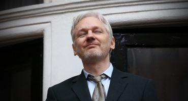 Suecia emite orden de aprehensión contra Julian Assange por violación