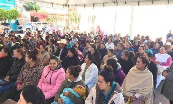 Mujeres en evento de Liconsa en el Estado de México
