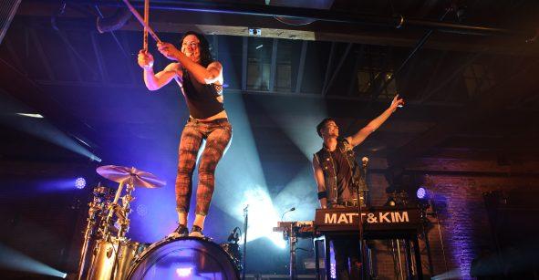 ¡Grábense haciendo sus mejores pasos y podrán conocer a Matt and Kim!