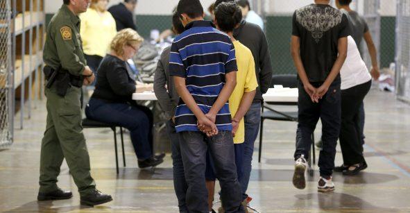 Niños serían separados de sus padres si intentan entrar ilegalmente a EEUU