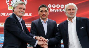 Chicharito ya tiene técnico: Tayfun Korkut nuevo entrenador del Leverkusen