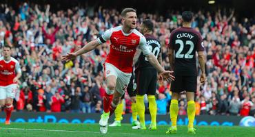 Arsenal y Manchester City empatan en duelo de ofensivas