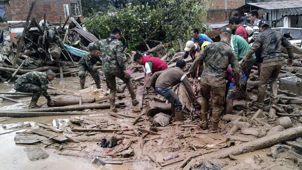 Avalancha por fuertes lluvias en Colombia