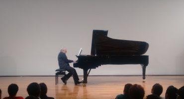 Una tarde de domingo y jazz con el pianista Edison Quintana
