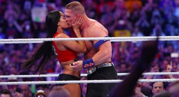 ¡Awwwww! John Cena pide matrimonio en pleno Wrestlemania 33