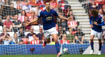 Manchester United vence al Sunderlad y sigue la