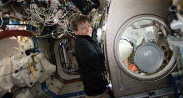 La historia de la la mujer que ha pasado más tiempo en el espacio