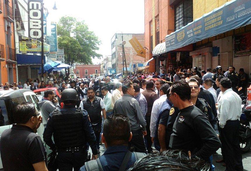Se registra balacera en Plaza Meave