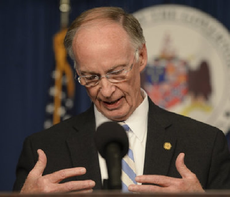 El exgobernador de Alabama, Robert Bentley