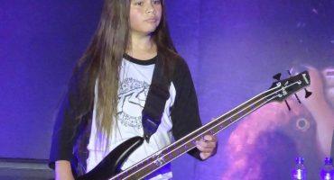 Con sólo 12 años, Tye Trujillo debutó anoche con Korn y así le fue