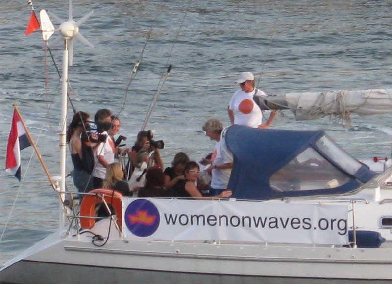 El barco Women on Waves