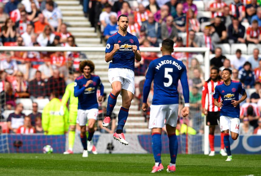 Manchester United vence 0-3 en su visita al colista Sunderland