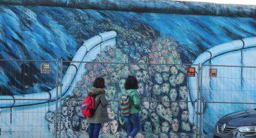 Subastan el fragmento 266 del Muro de Berlín en la CDMX