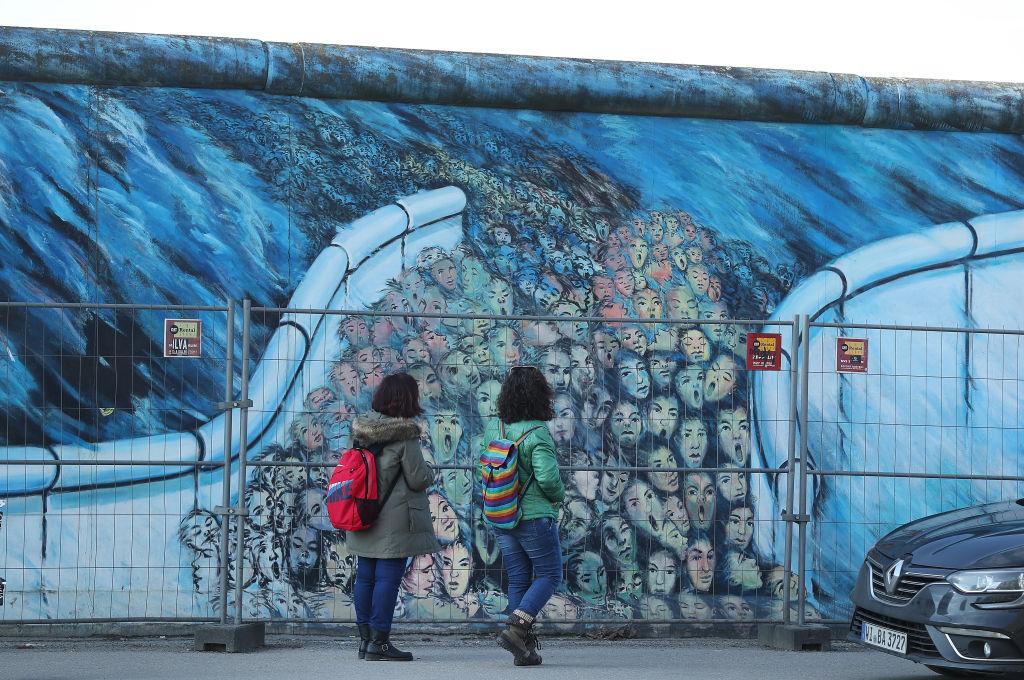 Muro de Berlín con mural