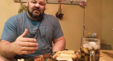 Esta es la dieta que sigue el hombre más fuerte del mundo