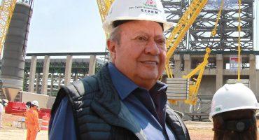 Romero Deschamps con una mano se defiende y con la otra acuerda alza salarial para STPRM