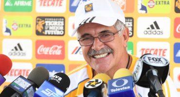 """Piojito, eres mi ídolo, diriges a un equipo y ya estás contratado con otro"""": Tuca Ferretti"""