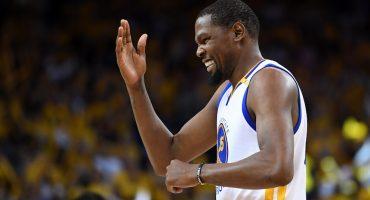 Los Warriors remontan desventaja de 25 y ¿Pachulia lesiona a Leonard?
