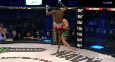 Vídeo: peleador recibe tremendo rodillazo en la cara y es noqueado