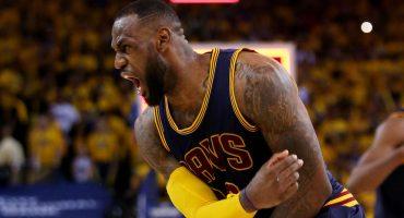 Checa el monstruoso tapón de LeBron James en la paliza sobre los Celtics