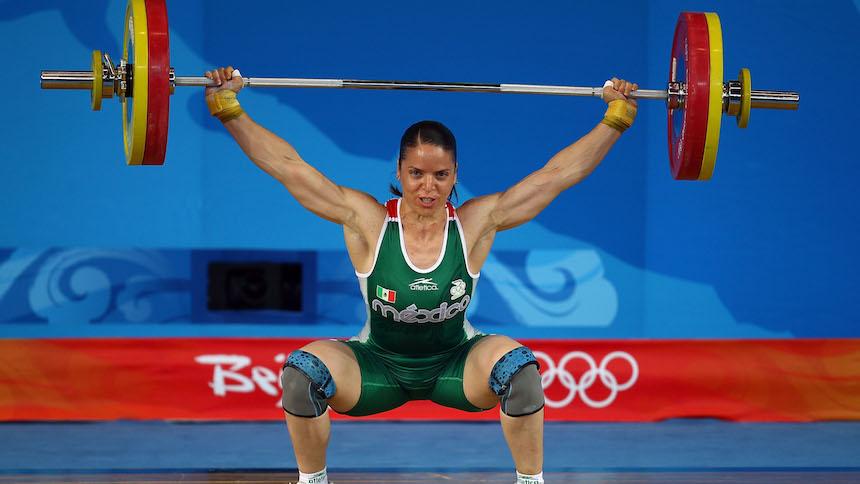 Orgullo nacional: Luz Acosta recibe medalla olímpica de Londres 2012