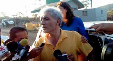 Mireles convoca a autodefensas para expulsar a militares de Tepalcatepec, Michoacán